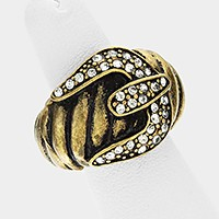 Buckle shaped stretch ring