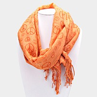 Piece symbol scarf with fringe