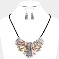 Tribal Pattern Bar Necklace
