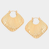 Metal shell hoop pin catch earrings