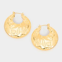 Embossed metal pin catch earrings