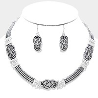 Embossed metal link collar necklace