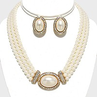 Rhinestone Trimmed Pearl Necklace