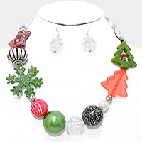 Glitter Christmas Tree & Chunky Pearl Bead Necklace