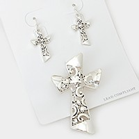 Cross Pendant Set