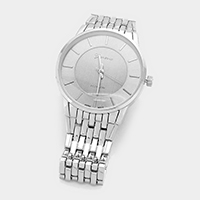 Round Dial Metal Band Watch