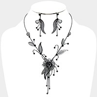 Crystal rhinestone metal mesh flower necklace