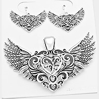 Filrgree metal heart wing pendant set