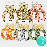 12 Pairs - Military pattern oval chain star hoop earrings