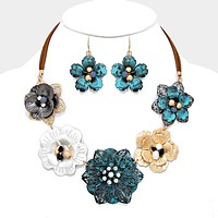 Metal flower collar necklace