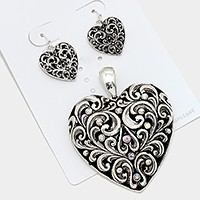 Filigree metal heart pendant set