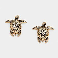Embossed metal turtle stud earrings