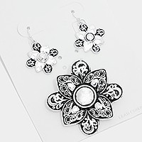 Metal filigree pendant set