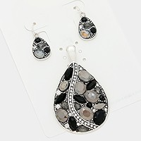 Crystal embellished teardrop pendant set