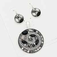 Crystal embellished circle pendant set