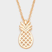 Metal pineapple pendant necklace
