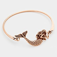 Metal mermaid hook bracelet