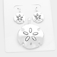 Metal sand dollar pendant set