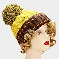 Color block knit pom pom beanie hat