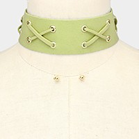 X-shaped detail faux suede choker necklace