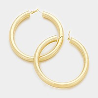 8 cm Oversized metal hoop pin catch earrings