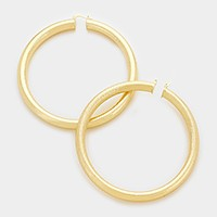 10 cm Oversized metal hoop pin catch earrings