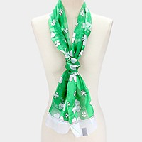 Silk feeling clover print oblong scarf