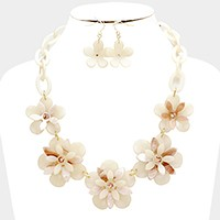 Celluloid flowers chain necklace