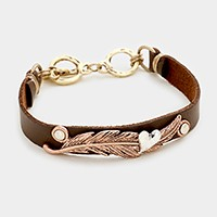 Feather & heart faux leather toggle bracelet