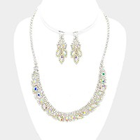 Rhinestone necklace with glass crystals