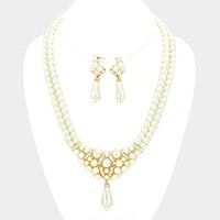Crystal embellished pearl necklace