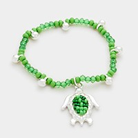 Turtle charm beaded stretch bracelet