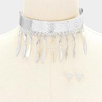 Hammered wave bar fringe choker necklace