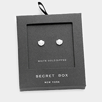 Secret box _ White gold dipped scallop stud earrings
