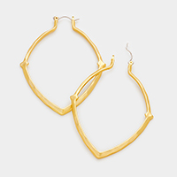 Hammered hoop pin catch earrings