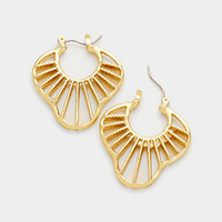 Cut out disc pin catch earrings