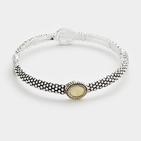 Oval mother of pearl stretch bracelet