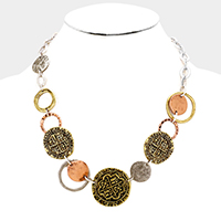 Embossed Round Hoop Link Necklace