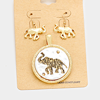 Embossed Elephant Round Metal Magnetic Pendant Set