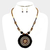 Multi Beaded Thread Round Necklace