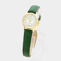 Faux Leather Fur Feel Round Strap Watch