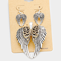 Embossed Angel Wings Magnetic Pendant Set
