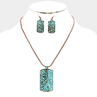 Embossed Antique Pendant Necklace