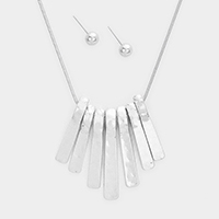 Metal Bar Fringe Pendant Necklace