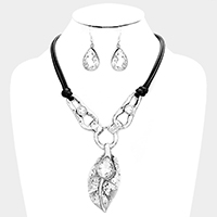 Stone Multi Hoop Link Metal Leaf Accented Necklace