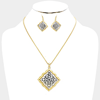 Antique Embossed Filigree Wavy Square Pendant Necklace