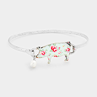 Flower Patterned Pig Pearl Charm Hook Bracelet