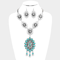 Floral Antique Navajo Turquoise Necklace