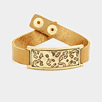 Embossed Geometric Pattern Metal Rectangle Snap Button Bracelet