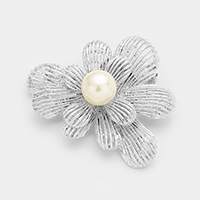 Cut Out Metal Accented Pearl Flower Brooch